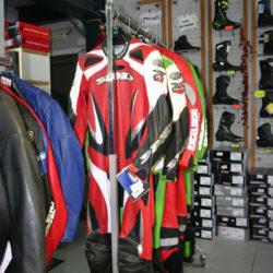 Combinaisons de Cross - Golden Bikes, votre spécialiste motos et scooters - magasin, atelier, banc de puissance