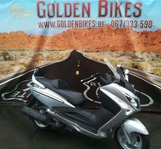 Sym GTS250i en vente chez Golden Bikes