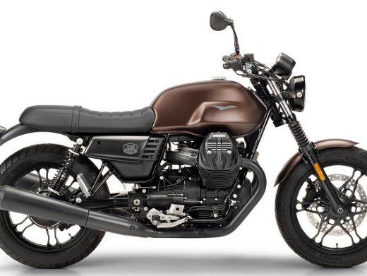 Moto Guzzi V7III Stone Night Pack en vente chez Golden Bikes