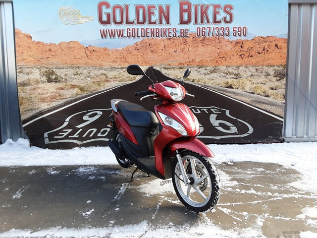 Honda Vision 50 en vente chez Golden Bikes