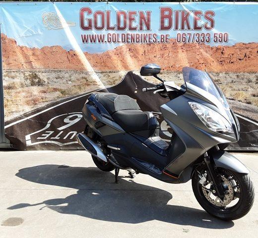 Peugeot Satelis 400 RS en vente chez Golden Bikes