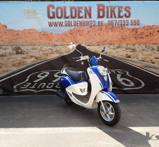 Sym Mio 50 Classe B en vente chez Golden Bikes